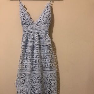 Bardot badly blue lace dress (midi)